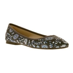 NWT COMFORTABLE Women's Floral Flats